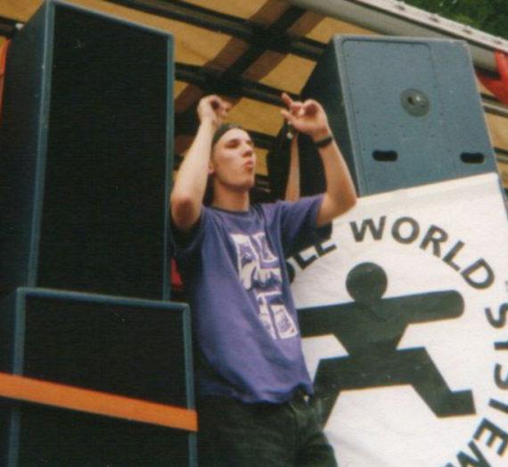 Marcel Janovsky – über Raves, soziale Netzwerke und Smartphones auf dem Dancefloor