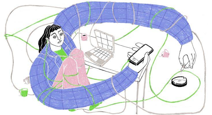 Person gestresst mit Handy, Laptop